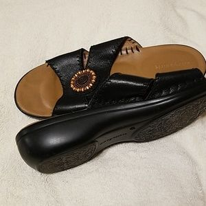 Easy Spirit Shoes - Easy Spirit sandals. In great condition!